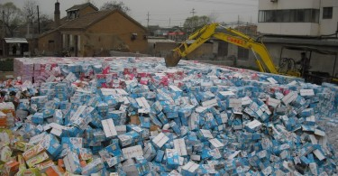China destroying problematic milk