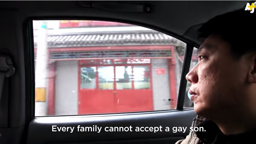 man fights gay treatments in china