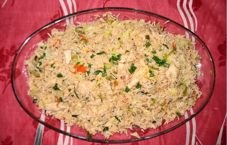 Four servings of fried rice is equivalent to the daily calorie intake in China. Photo: Wikimedia Commons.