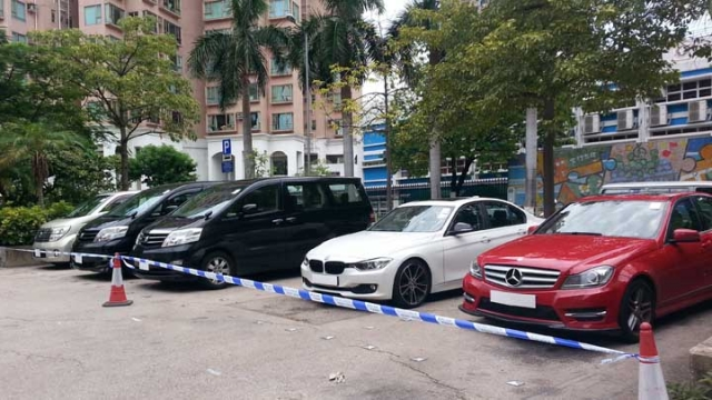 Police arrested five drivers and with withheld five cars this morning