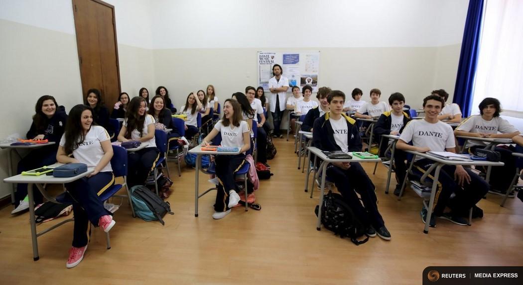Wider Image: Schools Around The World