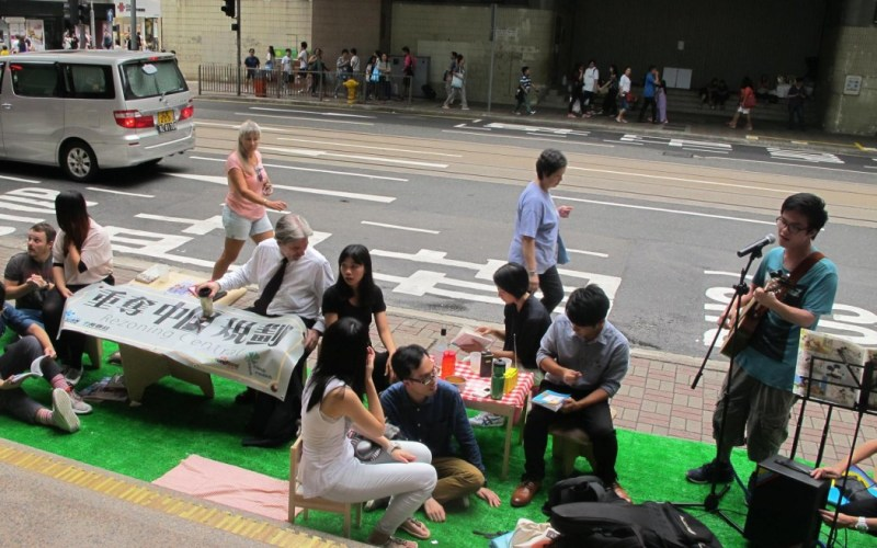 Environmental groups tried out their pedestrian and tram only zone plan in Central. Photo: Clean Air Network.