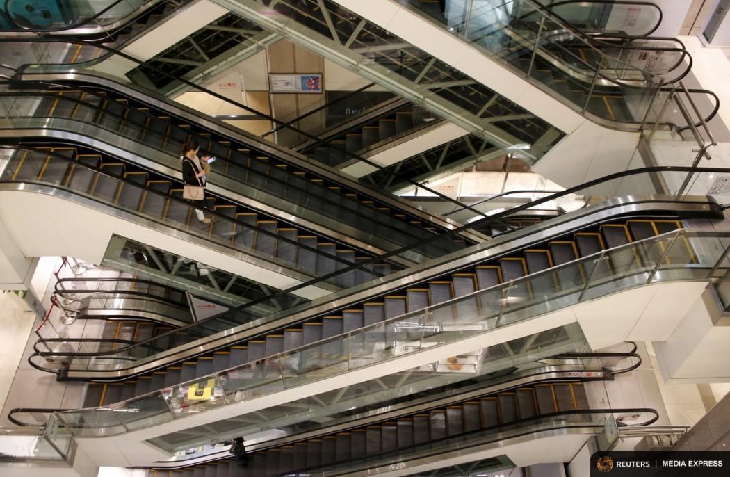 escalator shopping mall