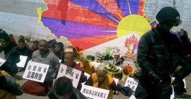 Tibetan monks arrested