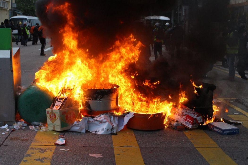 mong kok unrest fire