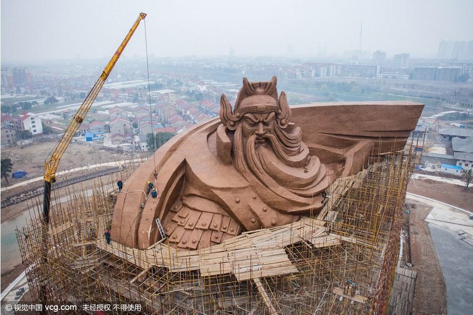 Guan gong statue 1