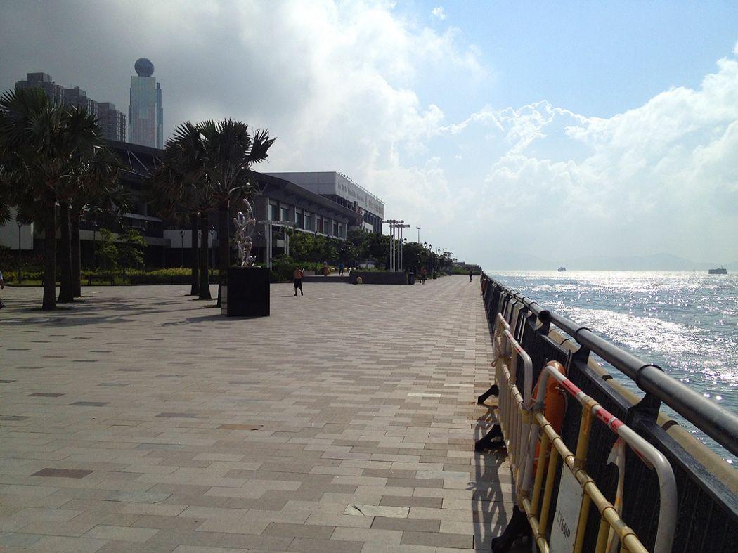 sai-ying-pun-waterfront-hong-kong-promenade