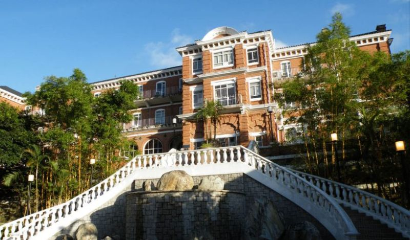 eliot hall hku