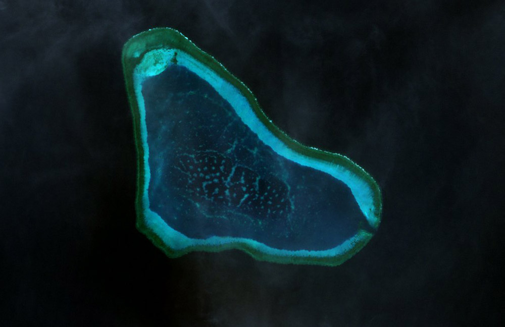 Landsat 7 image of Scarborough Shoal
