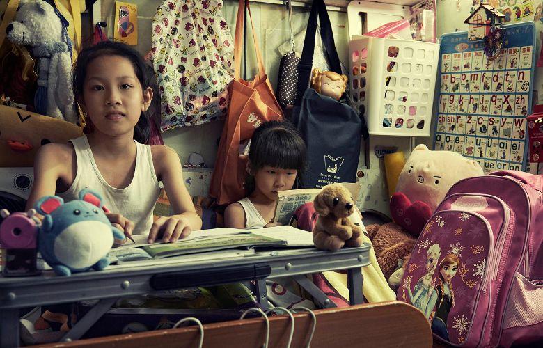 poverty hong kong shoebox cramped homes