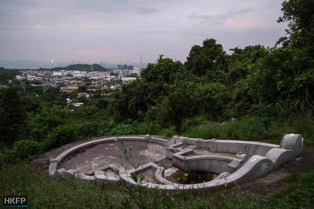 wang-chau-hillside-graves