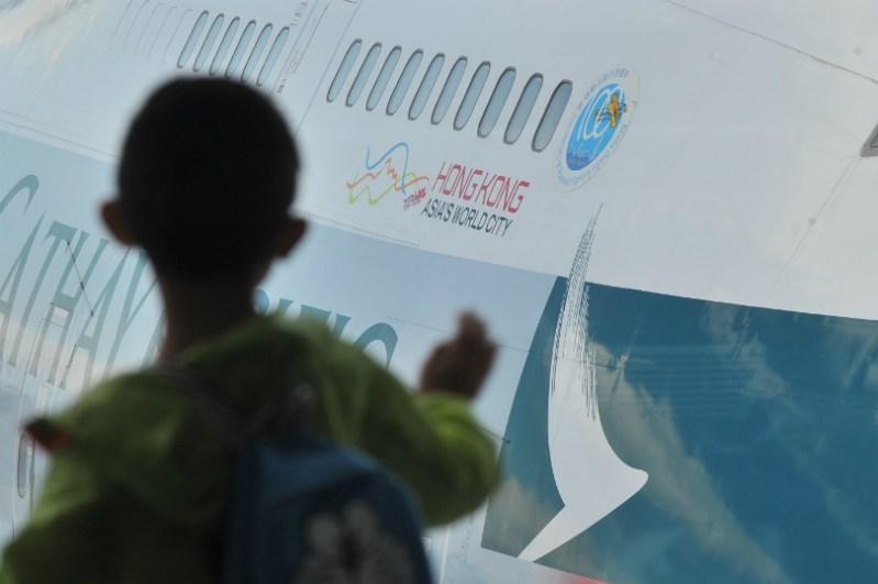 airport-child-1