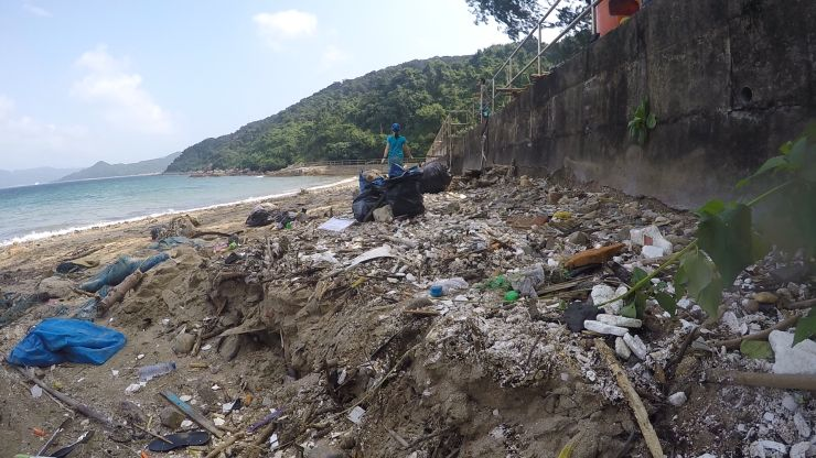 Living Seas Hong Kong beach cleanup