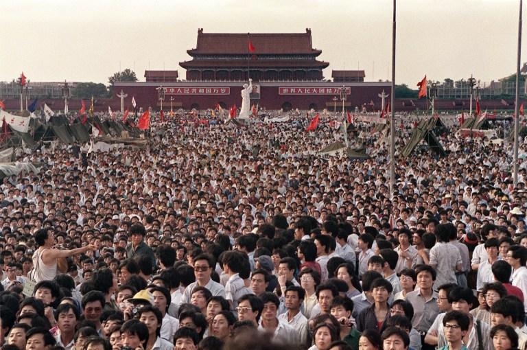 crowd beijing tiananmen square massacre crackdown 1989