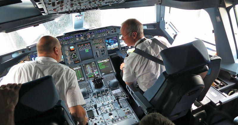 cockpit plane aeroplane