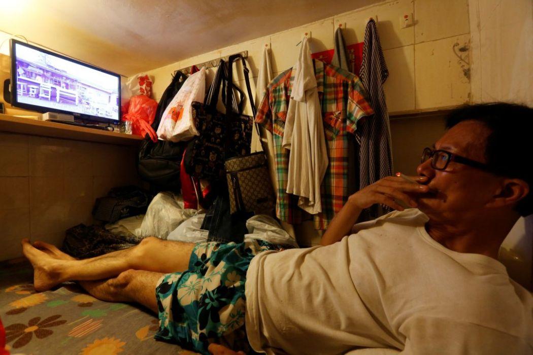 hong kong small home poverty