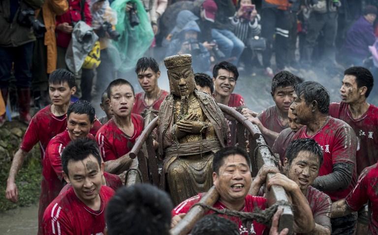 china robin hood statue