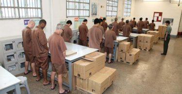 prison male inmates hair