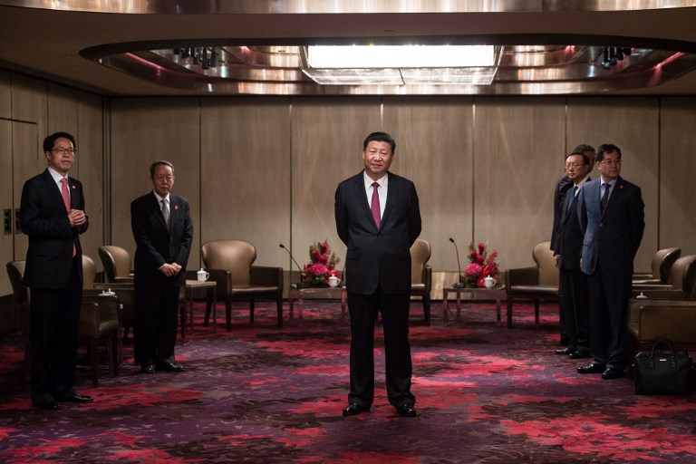 xi jinping and hong kong officials