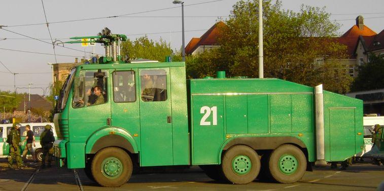 Polizei Wasserwerfer.