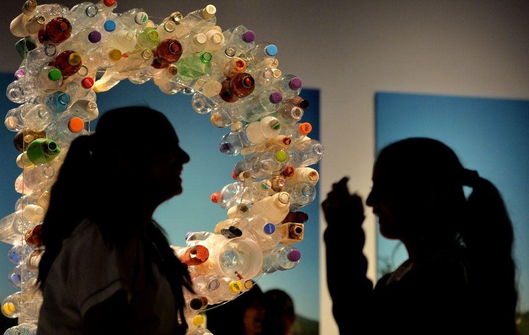 plastic litter rubbish waste trash
