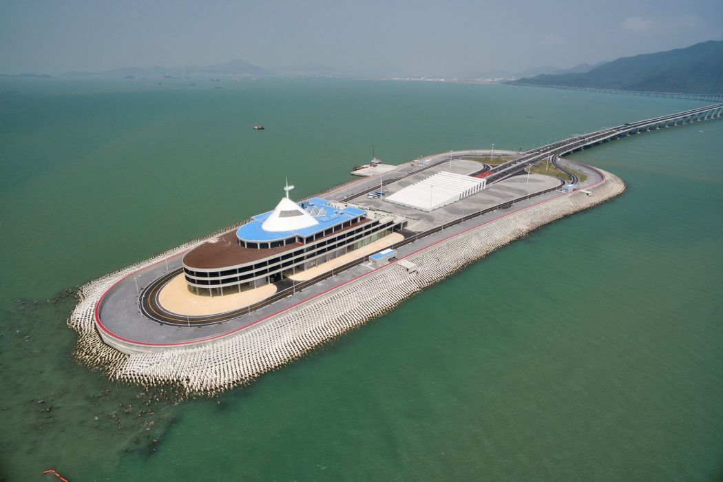 artificial island Hong Kong-Zhuhai-Macao Bridge