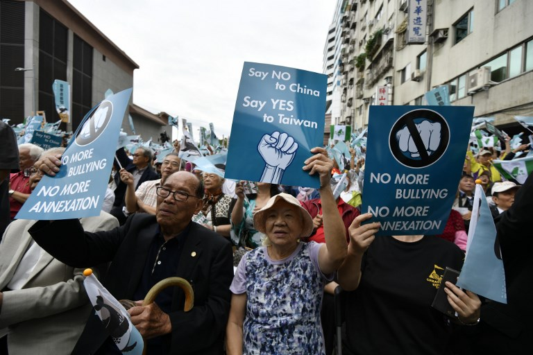 Taiwan Independence Supporters Protest in Warning to Tsai