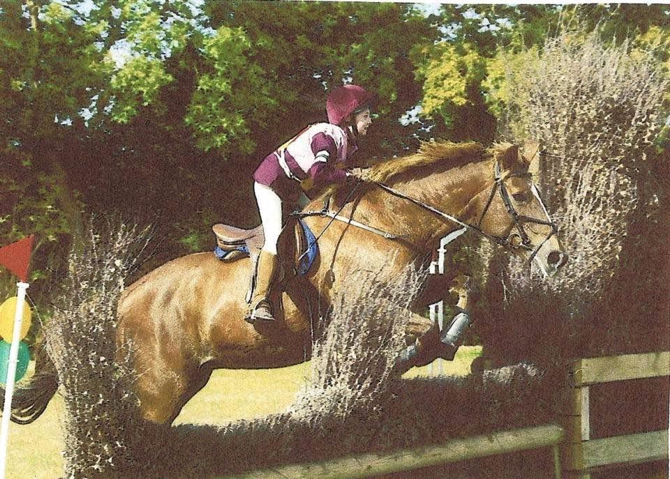 Bobbie Poulton in riding contest