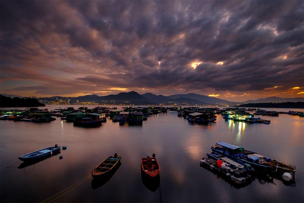 Hong Kong water night photo