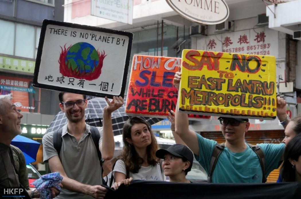 Fridays for future climate march school students