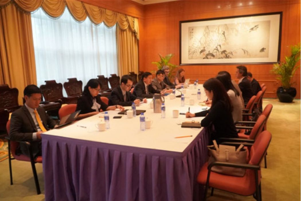 China foreign ministry meeting journalists