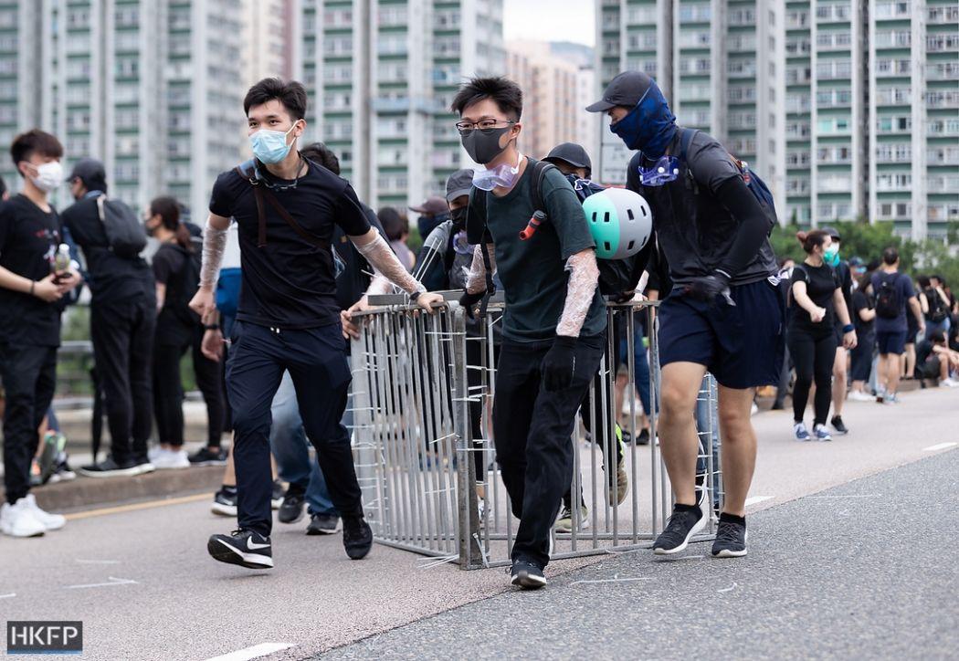 railing sha tin july 14 china extradition (35)