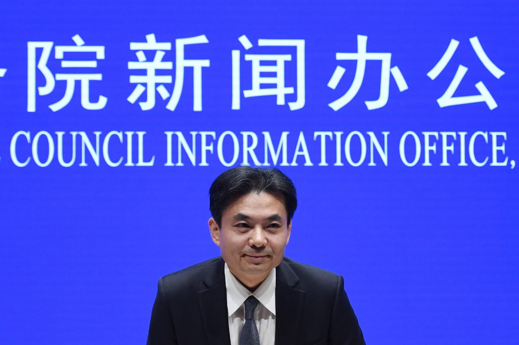 Porta-voz condena firmemente ato criminal de atear fogo a um civil em Hong Kong
