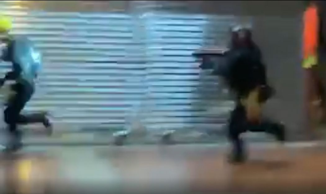 Police chase sponge round protester Tsuen Wan