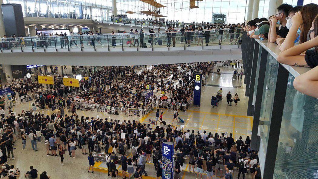hong kong airport august 13 cancellation flight