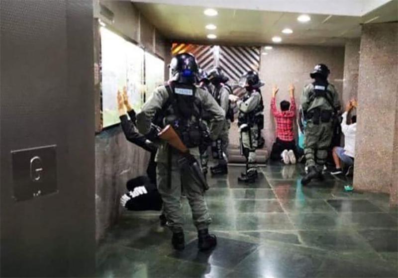 Oct 30 Tuen Mun Yat Sang HouseSiu Hin Court Police arrest
