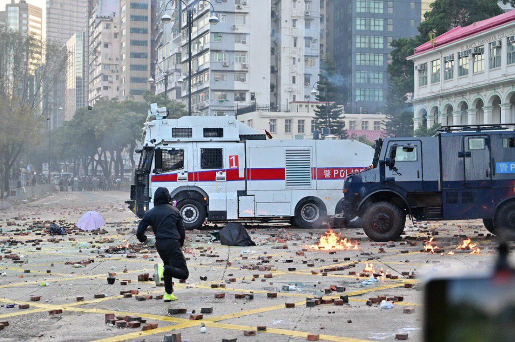 """November 17"" police arrow leg Hong Kong Polytechnic University"