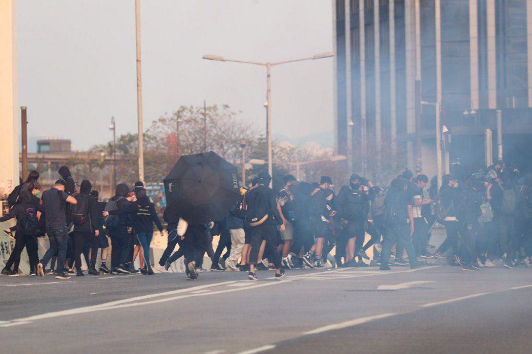 "Hung Hom Tsim Sha Tsui protest China extradition pro-democracy ""December 1"" tear gas"