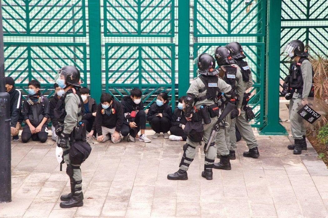 masks police