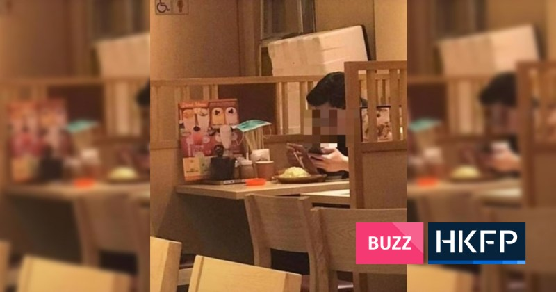 Hong Kong restaurant apologises after customer's face mask faux pas