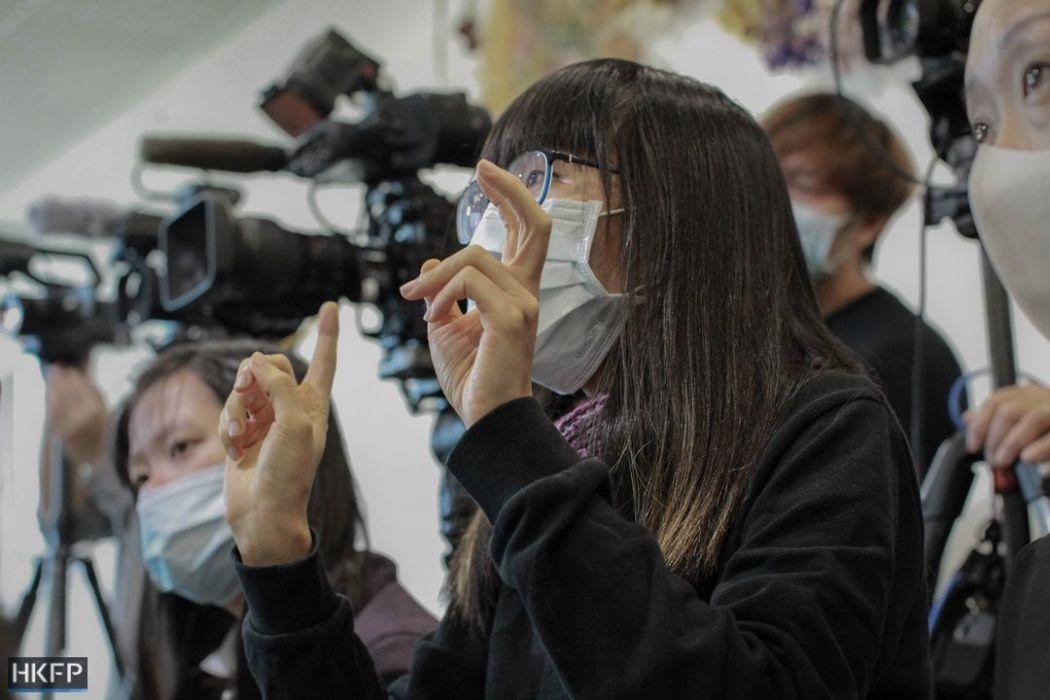 Sign language interpreter Kimberly Wu