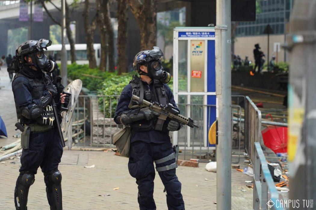Sig 516 Hong Kong protest rifles police