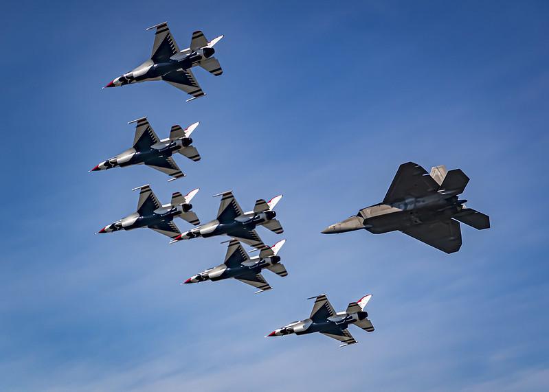 "US military aircraft ""thunderbirds"""