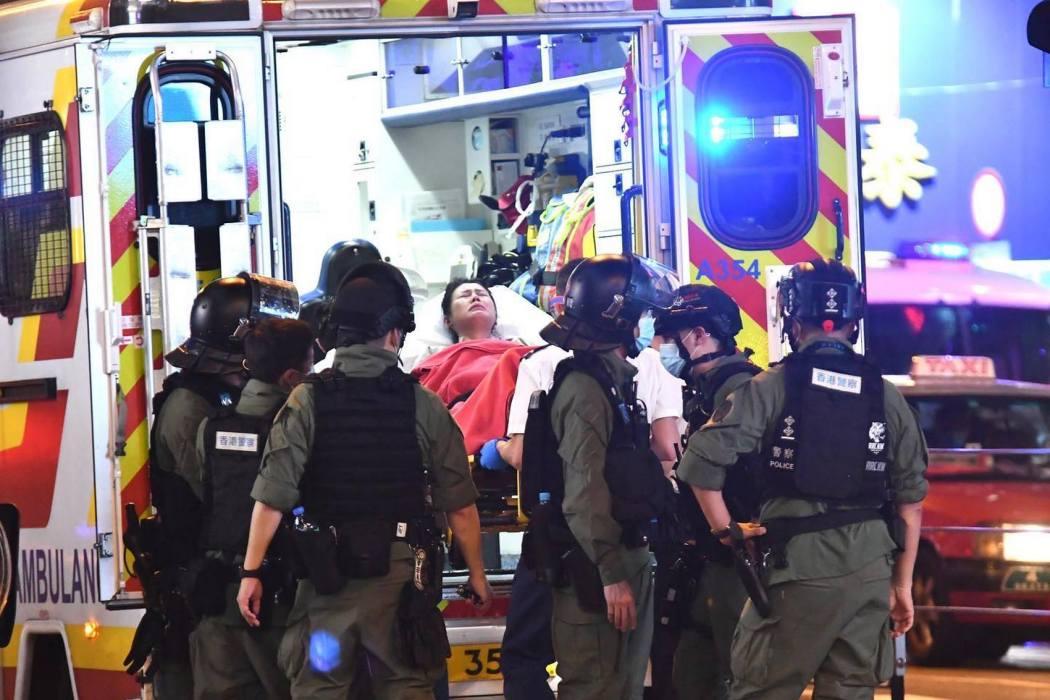 august 31 mong kok pregnant woman ambulance