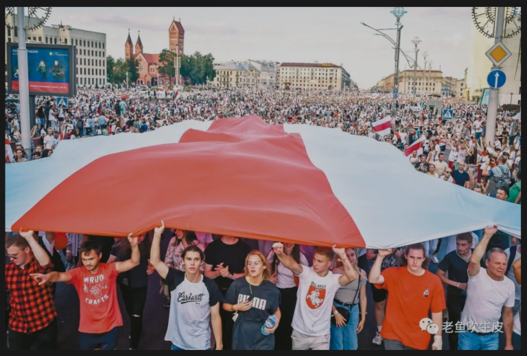 white-red-white-Belarus protest