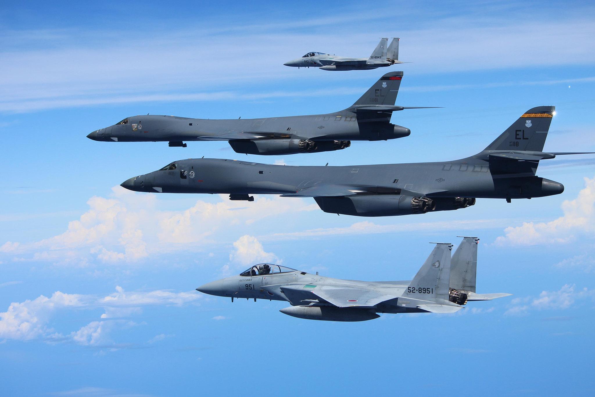 military aircrafts war planes