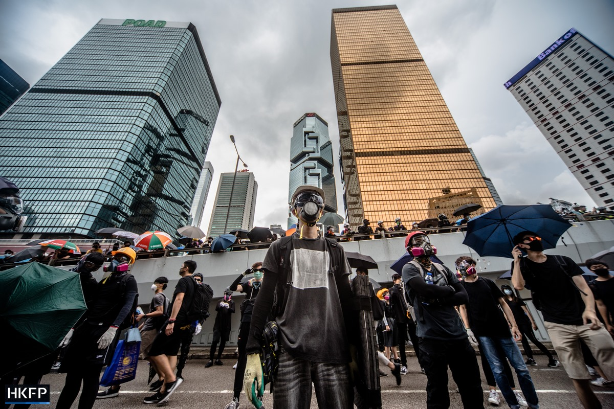 protest admiralty lippo centre tear gas masks