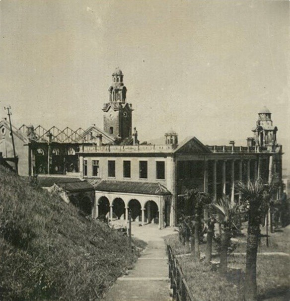 HKU Main University Building - showing damage to roof of Great Hall