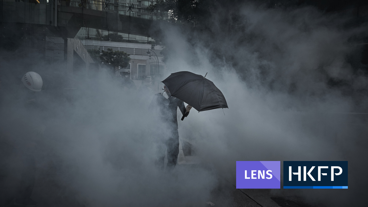 Kiran Ridley - feature image for lens - protests tear gas