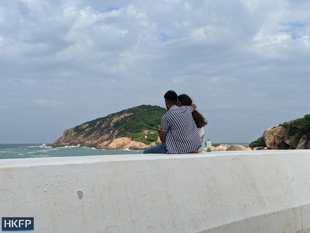 Couple by shek O beach valentine
